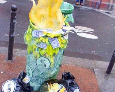 Le boycott de l'argent – Arttentat «BURN MONEY»