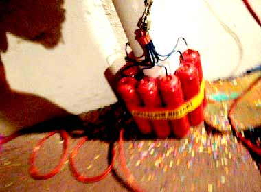 Burn Money, Exposition, Bombes